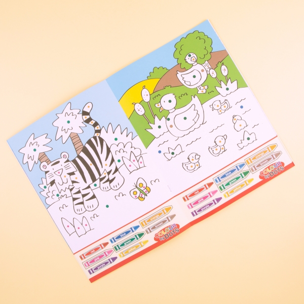 **NEW** Kids' Colour By Dots Colouring Book - Zoo