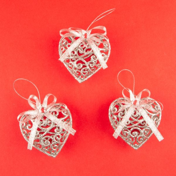 **NEW** Christmas Hanging Silver Heart Decorations 3pk