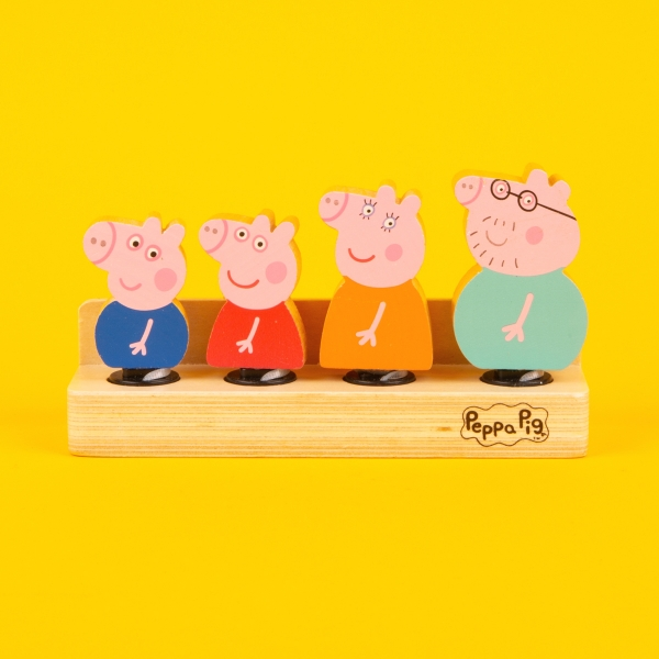 **NEW** Peppa Pig and Family Wooden Figures