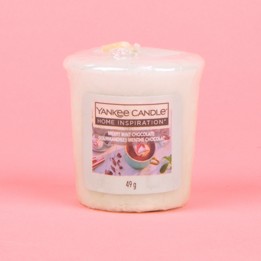 Yankee Candle home inspiration candle in merry mint chocolate scent